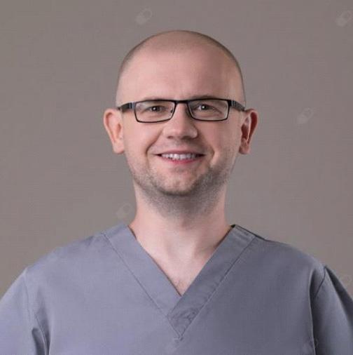 dr Paweł Kwasek